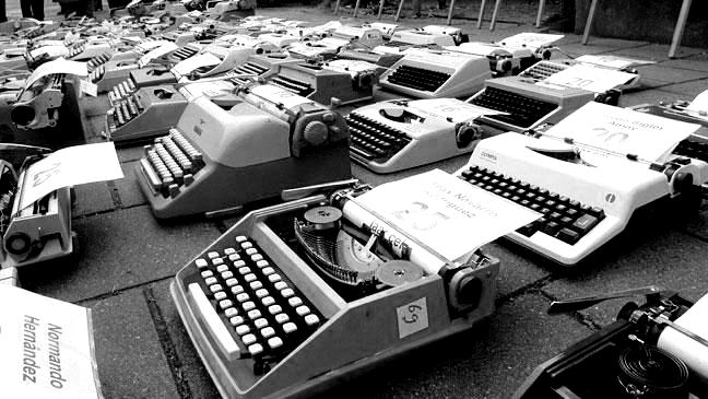 group-of-typewriters-136399145400103901-150710132520