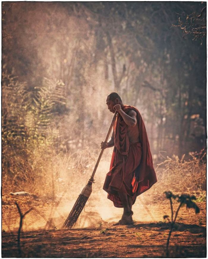 e4094bb984ecd3fc63da9659478dc12d--buddhist-teachings-buddhist-monk.jpg